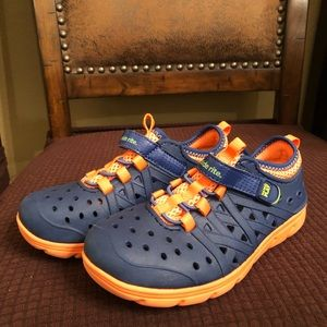Stride Rite rubber/water shoes